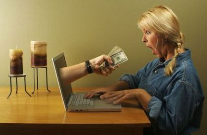 How To Profit Online - Image of Computer Cash